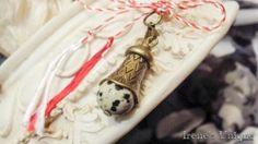 ✿ Pandantiv Talisman Jasp Dalmatian 15,00 RON Dalmatian, Christmas Ornaments, Holiday Decor, Unique, Handmade, Hand Made, Christmas Jewelry, Christmas Decorations, Christmas Decor