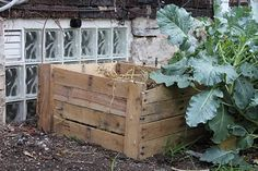compost bin made from upcycled pallets