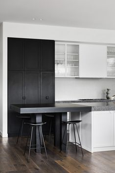 Minimalist Interior, Modern Minimalist, Interior Architecture, Interior Design, Little Kitchen, Skylight, Terrazzo, Building Design, Natural Light