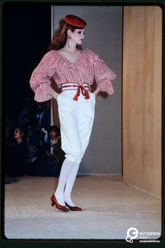 Fashion show Yves St.Laurent spring / summer 1980 | Yves St.Laurent (Designer) and Paul van Riel (Photographer) - Europeana