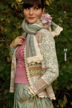 oleana    I love the sweater and the scarf, beautiful colors.