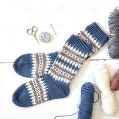 Stine Und Stitch, Granny Square Sweater, Yarn Crafts, Fingerless Gloves, Arm Warmers, Socks, Knitting, Crochet, Pattern