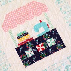Adorable quilt block featuring the Vintage Market fabric collection designed by Tasha Noel for Riley Blake Designs #iloverileyblake #tashanoel #quiltblock