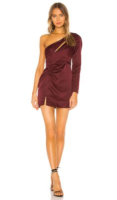 Shop for NBD Chloe Mini Dress in Plum at REVOLVE. Vegas Club Dress Code, Pop Fashion, World Of Fashion, Fashion Women, Sapphire Dress, Fringe Skirt, Revolve Clothing, Ladies Dress Design, Dress Codes