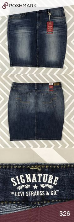 💥 Signature by Levi's denim pencil skirt Jean skirt with front slit.  Condition: NWT  I'm happy to provide measurements on request.  No trades. Signature by Levi Strauss Skirts Pencil