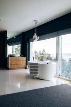 Luxury Bathroom www. Kitchen Interior, Custom Kitchen, Interior, Decor Design, Home Decor, Bathroom, Interior Design, Luxury Bathroom, Bathroom Inspiration