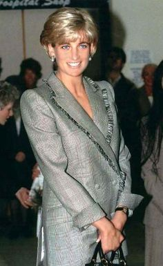 April 22, 1997: Diana, Princes of Wales visits St. Mary's Hospital for the Cosmic Charity on Behalf of the Pediatric Intensive Care Unit in Paddington, London.