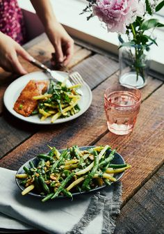 Main Dishes, Side Dishes, Asian Cucumber Salad, Vegetable Sides, Food Design, My Favorite Food, Summer Recipes, Green Beans, Meal Planning