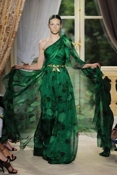 GARDEN COUTURE- FALL 2012 COUTURE- Part 1 | Mark D. Sikes: Chic People, Glamorous Places, Stylish Things