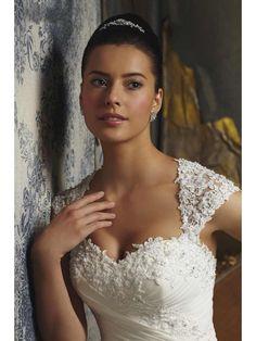 Ivory A-line Sweetheart Court Train Lace Organza Wedding Dress