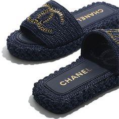 Chanel Fashion, Fashion Shoes, Luxury Fashion, Women's Fashion, Sunglasses Shop, Sunglasses Online, Boutiques, Mules Shoes, Shoes Sandals