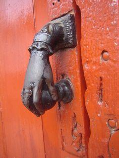 ѻ door handle ~orange door