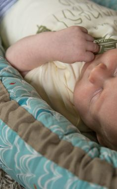 Sleeping Beauty  - Bubnest Organic Cotton   #bubnest #baby #babyshower #nursery #babymusthave #twins #babytwins #cosleeping #organicbaby #babybed