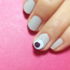 goggle eye nail