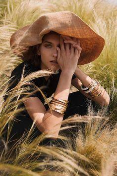 Glow Magazine Summer 2018 Maria Khlyvniuk by Mara Lazaridou - Editorial fashion - Retro Fashion Shoot, Editorial Fashion, Fashion Models, Fashion Brands, Fashion Tips, Farm Fashion, Summer Editorial, Magazine Editorial, Mens Fashion