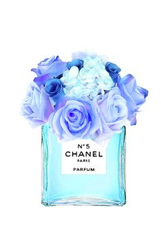 chanel no 5 turquoise art Tiffany Kunst, Tiffany Art, Amazing Grace Perfume, Beautiful Perfume, Pop Art Wallpaper, Fashion Wallpaper, Fotografia Tutorial, Chanel Decor, Blue Artwork