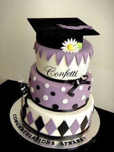 Graduation cake,again... | This is a 4-tier version of a cak ...