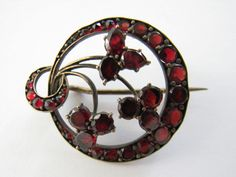 BEAUTIFUL LADY'S ANTIQUE BOHEMIAN VICTORIAN GARNET PIN BROOCH GOLD ? SILVER ?