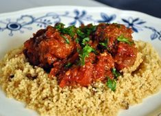 Moroccan Meatballs - these bad boys have shabbat dinner written all over them.