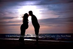 Maternity Sunset Silhouette (Kimberlin Gray Photography) I can't wait for our pictures in a few weeks!