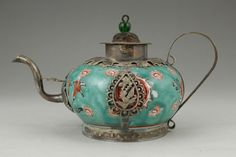 Chinese Old Porcelain Handwork Armored Dragon Phoenix Collectable Art Tea Pot.