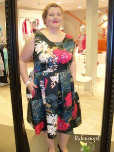 Plus Size Fashion Blog Plus Size Hepburn Dress sewed by me