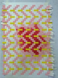 Textile designers Helle Gråbæk and Maria Kirk Mikkelsen ha done a workshop saluting the sketch and that which is unfinished, the incomplete that arouses curiosity and opens for opportunities. Pieced paper strips with raw edges are a manifestation of rapid thinking and the spontaneous quest for the sublime.