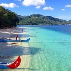 22 Places In Indonesia You'll Find White Sand Beaches With Crystal Clear Water Pulau Kiluan, Lampung, Sumatra Dream Vacations, Vacation Spots, Places To Travel, Places To See, Timor Oriental, Komodo National Park, Ville France, Thinking Day, Crystal Clear Water