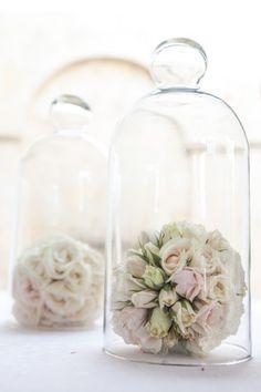 Decoración primera comunión. Buscamos siempre crear nuevas experiencias en ADRIANA SATIZABAL & Glass Vase, Bottle, First Holy Communion, Foot Prints, Create, Patterns, Flowers, Flask, Jars
