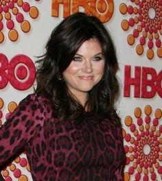 Find Tiffani Thiessens layered hairstyle at www.urbita.com