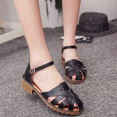 PRICE : 450 PESOS #IV SANDALS (LL) 35 to 39 #shoesph #shoes #sandals #sandalsph #koreanfashion #koreanstyle #koreansandalsph #quezoncitybased