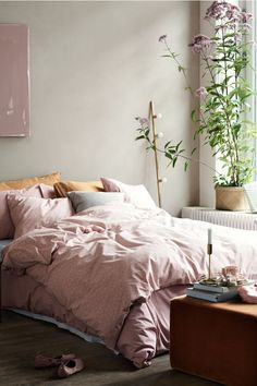 25 Cozy Bedroom Decor Ideas that Add Style & Flair to Your Home - The Trending House Bedroom Green, Cozy Bedroom, Trendy Bedroom, White Bedroom, Home Decor Bedroom, Modern Bedroom, Diy Home Decor, Bedroom Ideas, Contemporary Bedroom