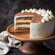 Tiramisu Cake: just like the classic Italian dessert, in layer cake form! So much rich coffee flavor, and I loved the boozy kick! Tiramisu Recipe, Tiramisu Cake, Tiramisu Wedding Cake Recipe, Baking Recipes, Cake Recipes, Dessert Recipes, Baking Desserts, Cake Baking, Bread Baking