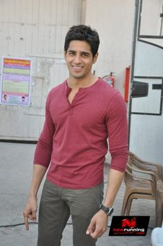 Sidharth and Parineeti promote 'Hasee Toh Phasee'