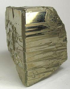 pyrite block ✏✏✏✏✏✏✏✏✏✏✏✏✏✏✏✏ AUTRES MINERAUX - OTHER MINERALES ☞ https://fr.pinterest.com/JeanfbJf/pin-min%C3%A9raux-minerals-index/  ══════════════════════  BIJOUX ☞ https://www.facebook.com/media/set/?set=a.1351591571533839&type=1&l=bb0129771f ✏✏✏✏✏✏✏✏✏✏✏✏✏✏✏✏