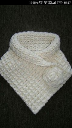 Discover thousands of images about Wafelsteek uitgelegd: Hoe maak je een proeflapje? Ribbed Crochet, Crochet Poncho, Crochet Scarves, Crochet Clothes, Crochet Stitches, Crochet Baby, Knitting Patterns, Crochet Patterns, Crochet Neck Warmer