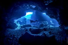 CAVE DIVING IN NIUE » A Road Less Travelled