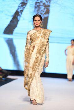 Gold and cream sari saree. Indian sari. Sanam Chaudhri, Fashion Pakistan Week, Nov 2014.