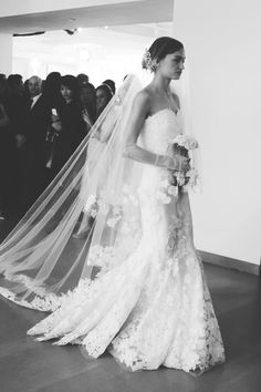 Oscar de la Renta Wedding Gown, for more visit: www.facebook.com/Gelinligimm