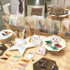 なんばマルイ 3日目  11:00はciimのマヨちゃん (@ciim_mayo ) 15:30私が店頭におります  欠品している商品も 追加でお持ちしますので ぜひお立ち寄りください  #sAnコレ #sAn #san_official  #handmade #シラタキカク #アクリルアクセサリー #アクリル #acrylicresins #acrylic #accessories #アクリルワンダーワールド#バレッタ #アクリルピアス #アクリルパーツ #アクリルビジュー #アクリル素材 #アクリル加工 #ヘアアレンジ #アクリルバレッタ #ヘアアクセ #ヘアアクセサリー #サンカクバレッタ#バレッタアレンジ #アクリル板 #madeinjapan #ヘアクリップ #サンカククリップ #レーザー加工 #hairclip #UniversalLaserSystems