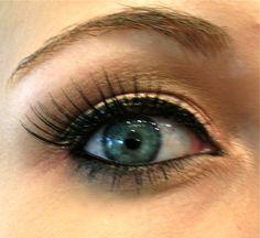 how to apply fake eye lashes ( luv the green eyes) Makeup Tips, Beauty Makeup, Eye Makeup, Hair Makeup, Hair Beauty, Fake Lashes, False Eyelashes, Beauty Secrets, Beauty Hacks
