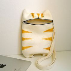 iPad case messenger bag Hungry Cat by Tokyoinspired on Etsy, €40.00