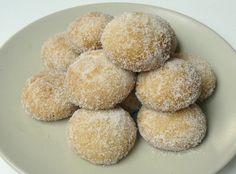 O Natal da Madeira está recheado de doces e as broas são presença obrigatória. De mel, de manteiga, de cerveja, de coco, ou de areia, há pa...