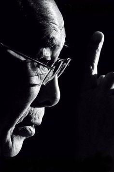Making a point... the Dalai Lama