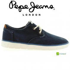 Para las celebraciones en familia que se aproximan en estas fechas BBC o para ir en cualquier momento a la moda compra estos zapatos para niño en ante marino con cordones de Pepe Jeans.  Del 35 al 39