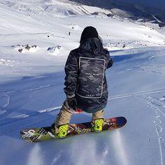 INDYSLOPESTYLE Battalion Camo 8K Tech Snowboard Hoodie / indyslopestyle.com / Shipping Worldwide Winter Fun, Winter Sports, Snowboard Hoodies, Skateboarding, Snowboarding, Playground, Camo, Bomber Jacket, Winter Jackets