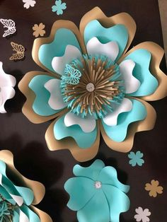 Big Paper Flowers, Paper Flowers Craft, Paper Flower Backdrop, Flower Crafts, Paper Crafts, Paper Flower Patterns, Paper Flower Tutorial, Flower Template, Handmade Flowers