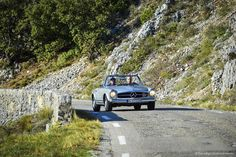 Mercedes-Benz SL W113 Pagode in der Provence | Nostalgic Oldtimerreisen