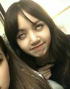 Kpop Memes, Blackpink Memes, Meme Faces, Funny Faces, K Pop, Ugly Pics, Korean Girl, Asian Girl, Blackpink Debut