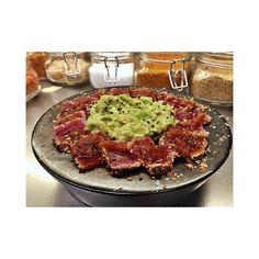 Preparats?  D'aquí just una setmana obrim portes a la nova temporada 2016!  Tataki de tonyina amb alvocat i ceba confitada.  #cankai #eljaponesdebegur #begur #costabrava #japones #japanesefood #japaneserestaurant #tataki #tunatataki #takeaway #igerscostabrava #igersgirona #igerscatalunya #instagramers #food #foodporn by cankaibegur